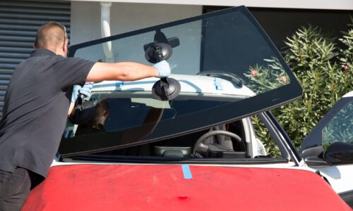Auto Glass Fix: Why You Should Fix Your Car Glass Now!